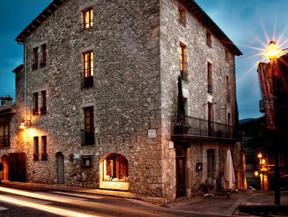 FONDA XESC - Restaurante y Hotel