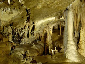 Cueva LES CANALETTES