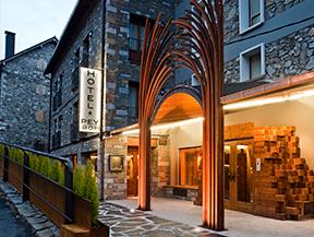 Hotel y Hostal PEY