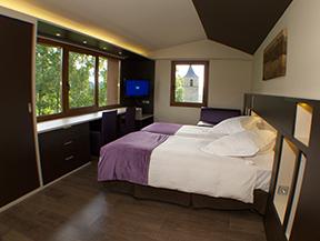 Hotel MIRADOR**