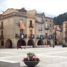 Plaza porticada y núcleo medieval de Amer