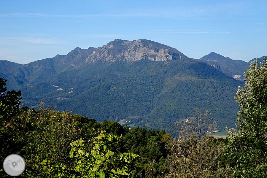 Ruta guiada mirador de los volcanes de la garrotxa for Mirador del pirineo