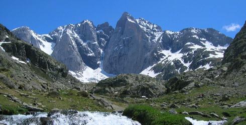 Rutas y senderismo en el parque nacional de los pirineos - Casa en el pirineo ...