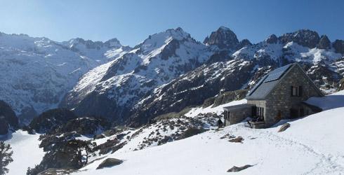 Rutas y senderismo en el parque nacional de aig estortes y estany de sant maurici rutas pirineos - Casas rurales en aiguestortes ...