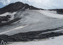 Bonita panorámica del glaciar Lombard y la Aiguille du Goléon.