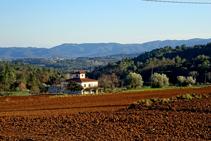 Vistas al macizo de las Gavarres desde el Pla d´en Marçal.