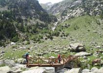 El barranco de Riumalo, con el Besiberri despuntando desde el collado.