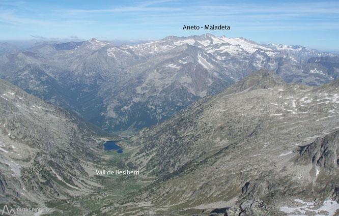 Besiberri Norte (3.014m) desde Cavallers por río Malo 2