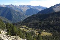 Vistas atrás hacia el hermoso Planell de Llubriqueto.