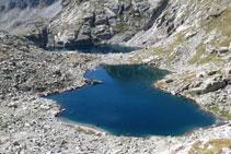 Un mar de roca rodea los lagos Gelats.