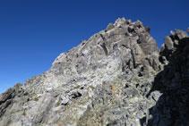 Una de las agujas que encontramos en medio de la cresta.