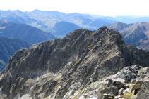 Tramo de arista que nos separa de la Punta Passet (2.998m).