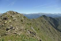 El Bony de la Pica y la cresta que lo une al pico de Enclar.