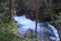 Cascada del río del Pendís, a nuestra derecha.
