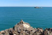 Punta del Cabo de Creus con la islita de Sa Rata al fondo.