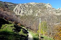 El Bac de la Ruira, con vistas a las Roques de l´Oratori y al Roc del Dui.