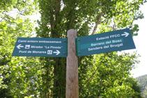 Durante el itinerario iremos encontrando señales verticales.