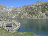 Estany Gento por el camino de la canal de Pigolo