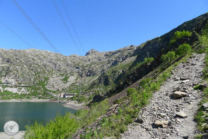 Estany Gento por el camino de la canal de Pigolo 1