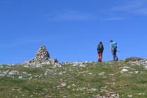 Hito en la cima del Cap de Boumort.