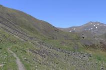 Continuamos caminando por el camino del Carrilet.