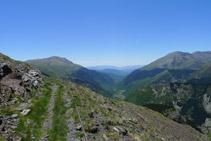 Se nos abre la perspectiva del valle.
