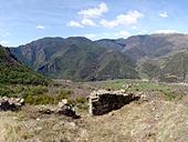 Malmercat y el castillo de Arcalís desde Sort