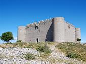 Castillo del Montgrí y zona de interès natural de les Dunes