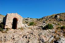 Segunda y tercera capilla en el Camino Viejo de Santa Caterina.