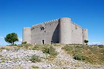 El castillo del Montgrí visto desde el SE.