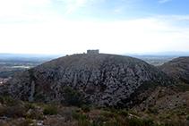 El castillo del Montgrí visto desde las proximidades del Montplà.