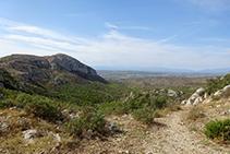 Vistas al valle de Santa Caterina desde el collado de Garrigars.