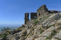 Restos del castillo de Sant Salvador de Verdera.
