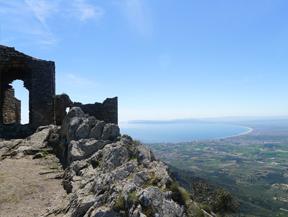 Castillo de Sant Salvador de Verdera desde Sant Pere de Rodes