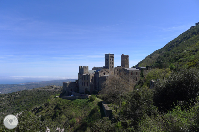 Castillo de Sant Salvador de Verdera desde Sant Pere de Rodes  1
