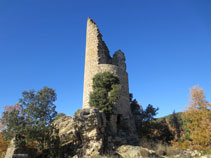 Torre circular del castillo de Sant Gervàs.