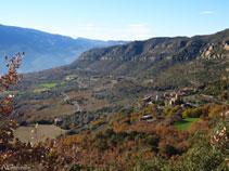 Bonitas vistas de Sant Cristòfol y Sant Miquel de la Vall.