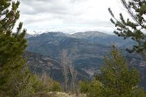 Vistas hacia el N con el pueblo de Guardiola de Berguedá al fondo del valle.