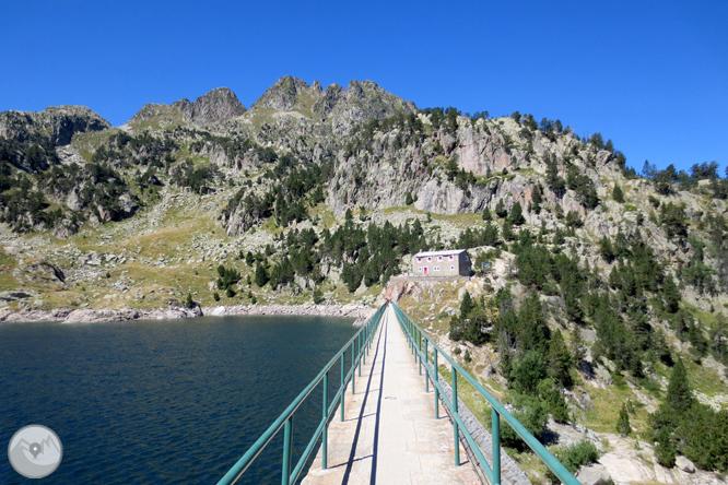 Circo y lagos de Colomèrs desde el Plan des Banhs 1