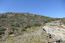 Último tramo de camino que nos lleva hasta la cima de la Montaña Negra.