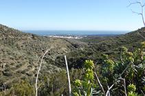 Vistas sobre Cadaqués bajando por el valle de Sant Vicenç.