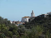 Vistas de la iglesia de Santa Maria de Cadaqués.