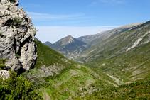 El Cadinell y el valle de Josa desde la Portella.