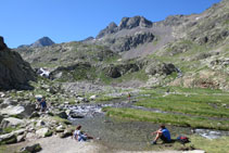 La cascada de los Azules y el pico de Piedrafita detrás.
