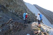 Pico del Infierno Central (al fondo) desde el Garmo Blanco.
