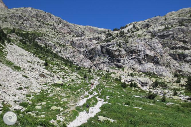 Picos del Infierno (3.073m-3.082m-3.076m) desde el balneario de Panticosa 1