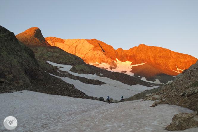 Picos del Infierno (3.073m-3.082m-3.076m) desde el balneario de Panticosa 2