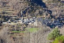 Vistas del bonito pueblo de Queralbs camino de Fustanyà.