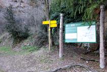 Palo indicador R122 en Sant Cristòfol.
