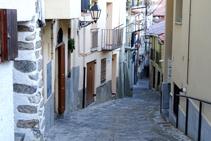 La empinada calle Cerdanya.